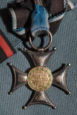 Virtuti Militari z munduru Marszałka J. Piłsudskiego